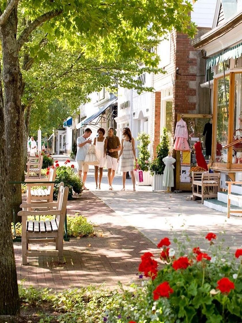 Downtown Shopping, Southampton, NY